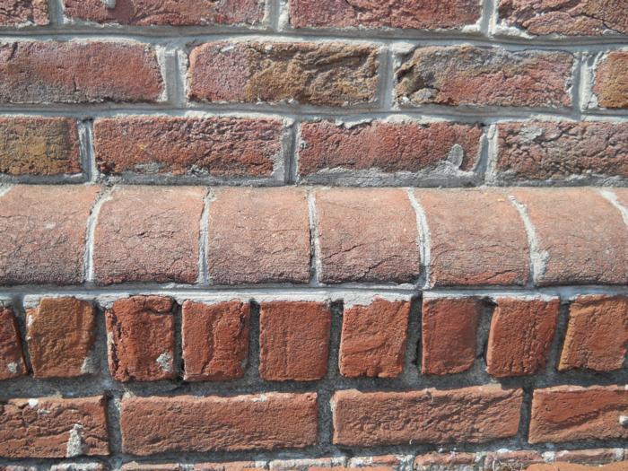 Londontowne Handmade Brick Bullnose Water Table Brick