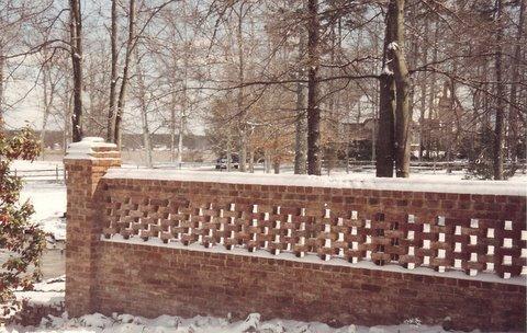 Superbe Old Carolina® Handmade Brick On Garden Wall In Toronto