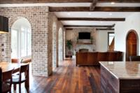 Interior Columns of Savannah Grey Handmade Brick